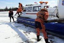 Спасатели. Фото из архива ГУ МЧС России по Иркутской области