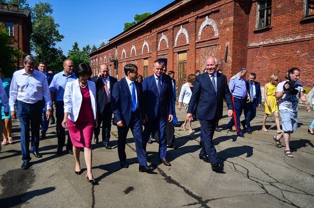 Летом Игорь Левитин и Сергей Чемезов побывали в ИВВАИУ. Автор фото — Илья Татарников