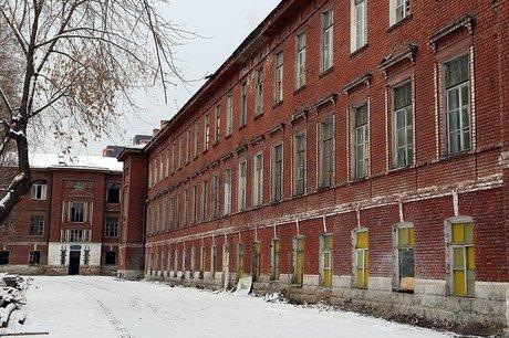 На территории ИВВАИУ. Фото Марии Оленниковой