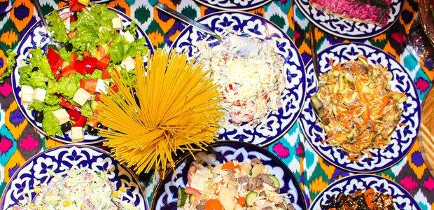 «Узбекистон»: съешь, сколько сможешь!