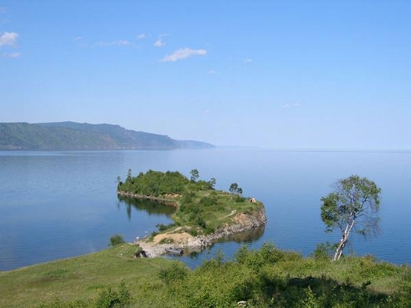 Мыс Шаманский. Фото с сайта www.nature.baikal.ru. Автор фотографий — Александр Сизов