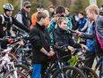 Ведущий Александр Манаков провел вело-квиз