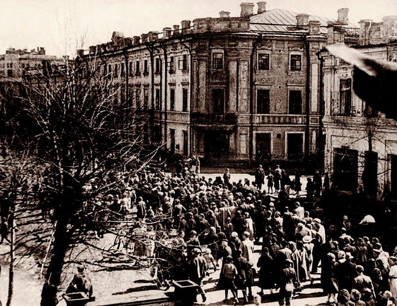 Иркутск, 9 мая 1945 года. Источник: Моя Иркутская область. Иркутск. 2007