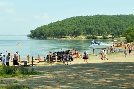 Пляж на заливе Якоби. Фото ИА «Иркутск онлайн»