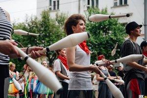 106 команд примут участие в шествии на День города