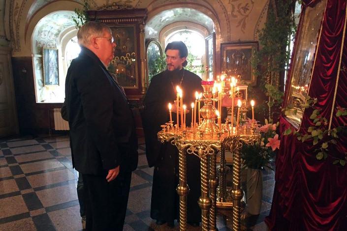 В Знаменском монастыре господин Теффт встретился с отцом Стефаном