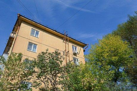 ВПриангарье достаточно серьезно пострадал годовалый ребенок, упав сбалкона 4 этажа