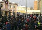 Пикет проходит мирно. Фото IRK.ru