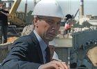 Виктор Кондрашов на строительном объекте. Фото из буклета «Иркутск 350 лет»