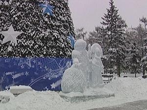 Елка в сквере имени Кирова. Фото АС Байкал ТВ
