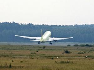 Взлетающий самолет. Фото Владимира Смирнова