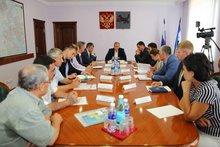 На совещании. Фото пресс-службы правительства региона
