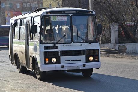 Шоферу автобуса №32 грозит уголовная ответственность за«лысую» резину