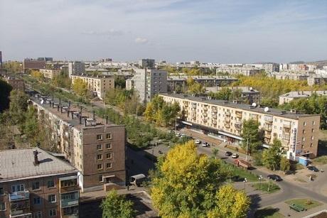 ВБратске девочка погибла при падении сбалкона на8 этаже