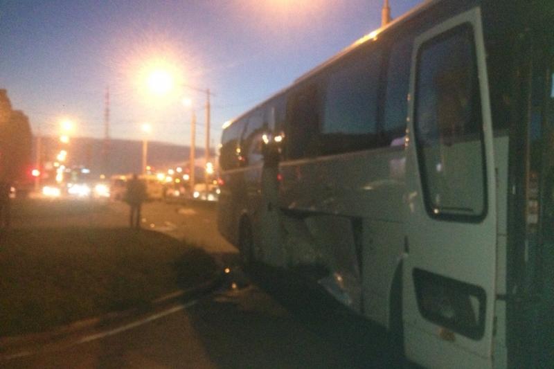 Шофёр маршрутки №2 умер при столкновении савтобусом вИркутске