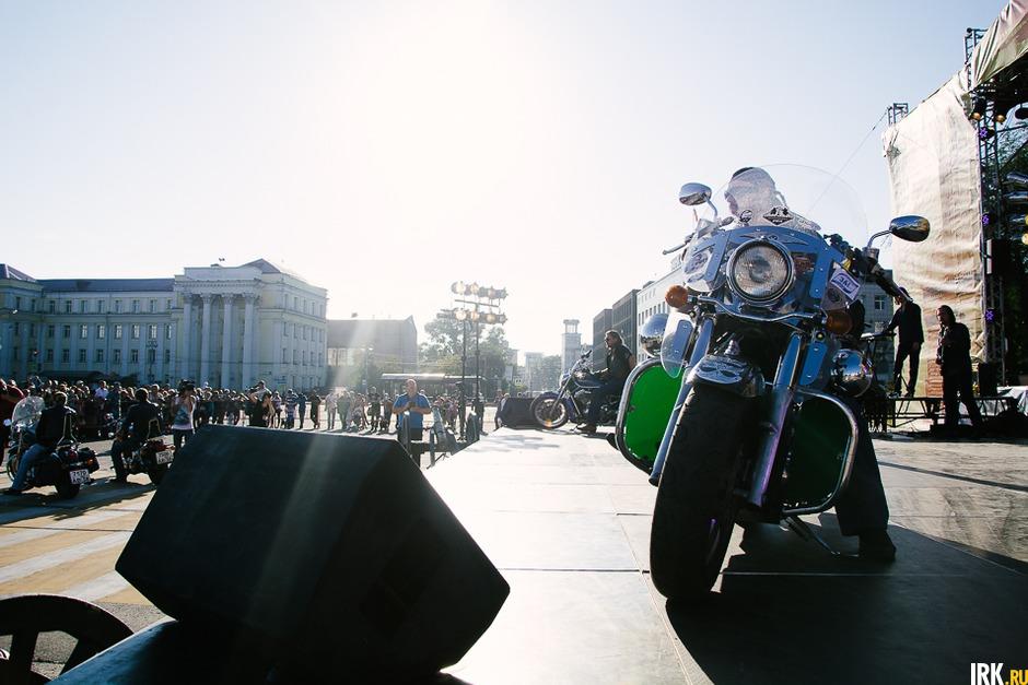 10 сентября на площади графа Сперанского состоялась премьера спектакля «Иркутский острог».