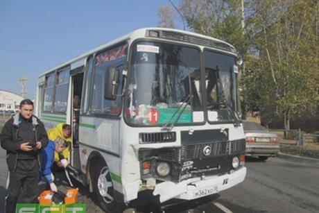ВБратске пассажиры автобуса пострадали вДТП синомаркой