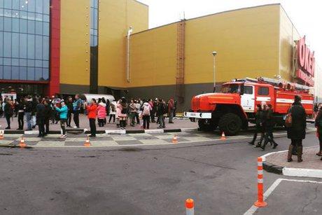 Воскресный пожар в коммерческом центре «Комсомолл» вИркутске