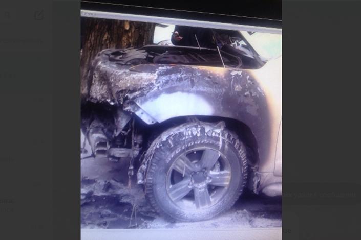 В Иркутске разыскивают подозреваемого в поджоге Toyota Land Cruiser       19 октября 17:52
