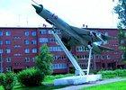 На территории ИВВАИУ. Фото с сайта www.aviamonuments.ru