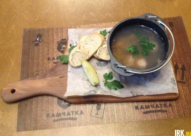 Жирных сливок, листья петрушки, укроп, соль и перец по вкусу, полчашки отварного риса.