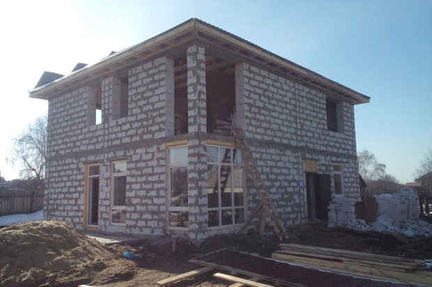 Дома из газобетона. Фото с сайта ucrc38.ru