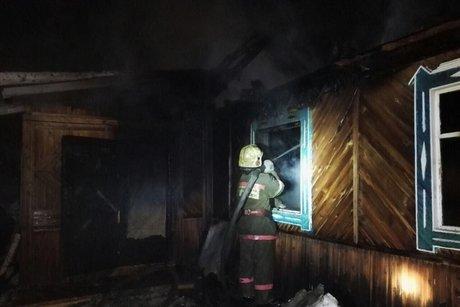 ВИркутской области напожаре в личном жилом доме погибли три человека