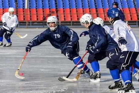 Хоккейный «Кузбасс» обыграл «Байкал-Энергию» вдомашнем матче
