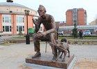 Памятник Леониду Гайдаю. Фото IRK.ru