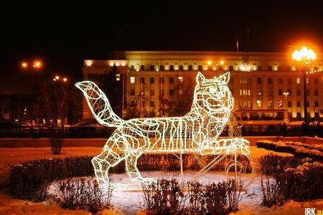 Из-за проведения фейерверка вногоднюю ночь закроют парковку рядом сосквером Кирова