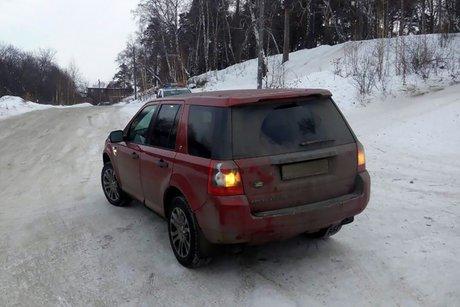 ВИркутске под машину попал катавшийся налесной дороге школьник