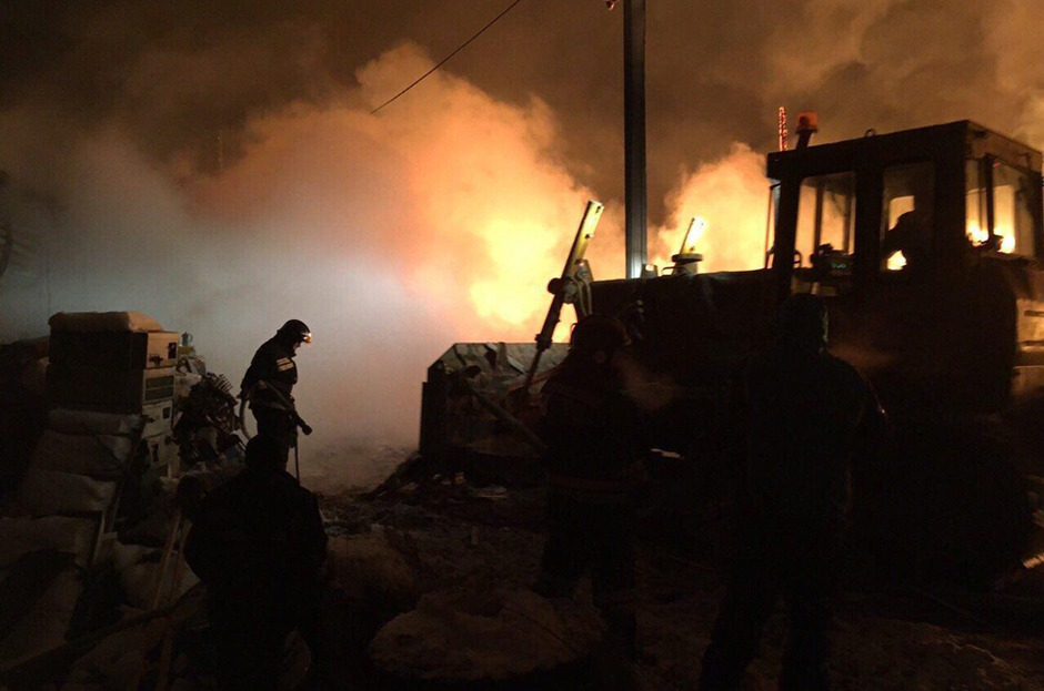 ВИркутске произошел пожар намусорном полигоне