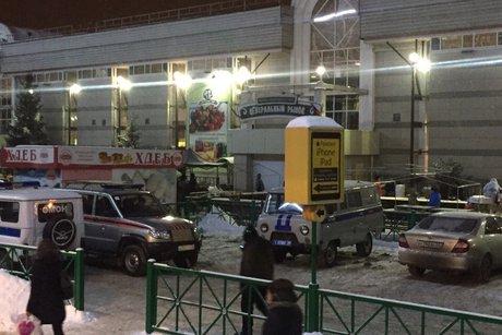 Изздания Центрального рынка эвакуировали людей после сообщения оподозрительном предмете