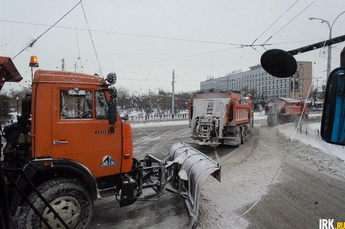 Комбинированные дорожные машины (КДМ). Фото ИА «Иркутск онлайн»