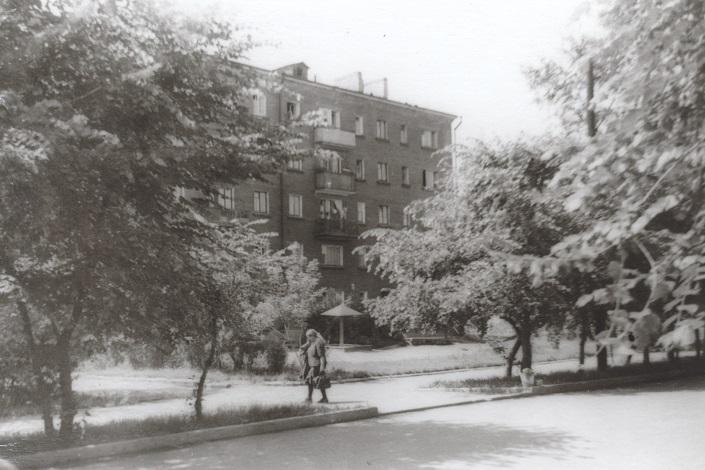 Дом по улице Марата в 70-е годы
