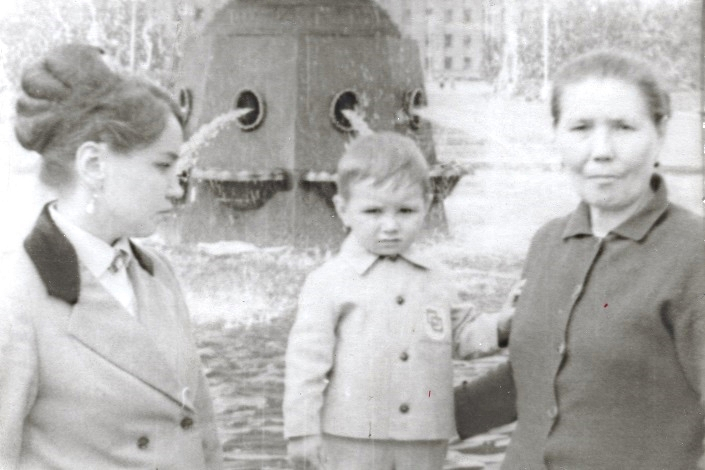 1970 год. Валентина Лосева (Ворошнина) с сыном Сережей и мамой Марией Тимофеевной Ворошниной