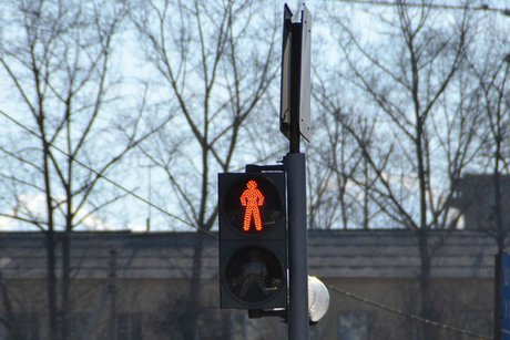 ВУсть-Куте водителя фургона, оборвавшего светофорные кабеля, арестовали на15 суток