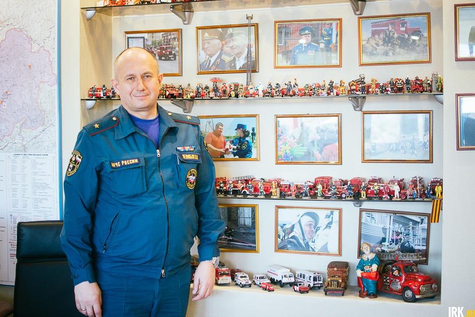 Первый раз, когда я зашёл в кабинет Валентина Николаевича, моё внимание было приковано к коллекции,нежели к тому, что мне надо было снимать.