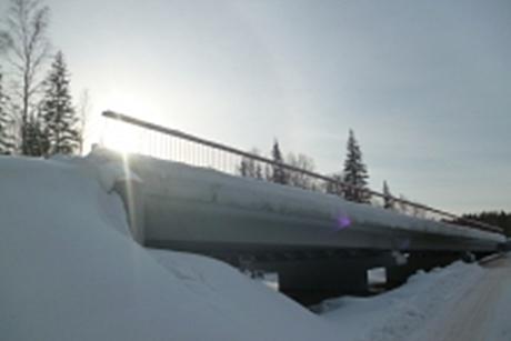 Приставы намесяц остановили строительство моста натрассе «Тайшет-Братск»
