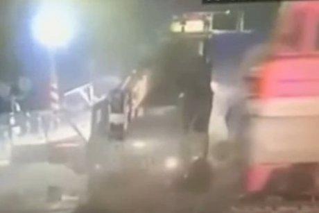 Автокран попал под товарный поезд между Бирюсинском иТайшетом, пострадал шофёр