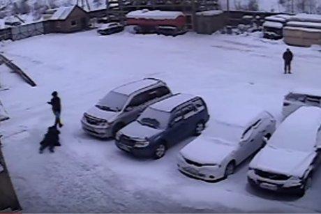 Гражданин Усть-Кута задержал преступника, напавшего накассиршу с800тыс.руб.