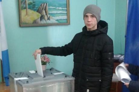 Навыборах руководителя Баклашей лидирует Николай Сафронов