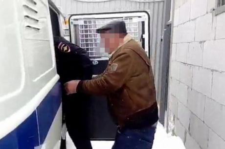 Полицейский изНовобирюсинска отказался отвзятки в300 тыс.