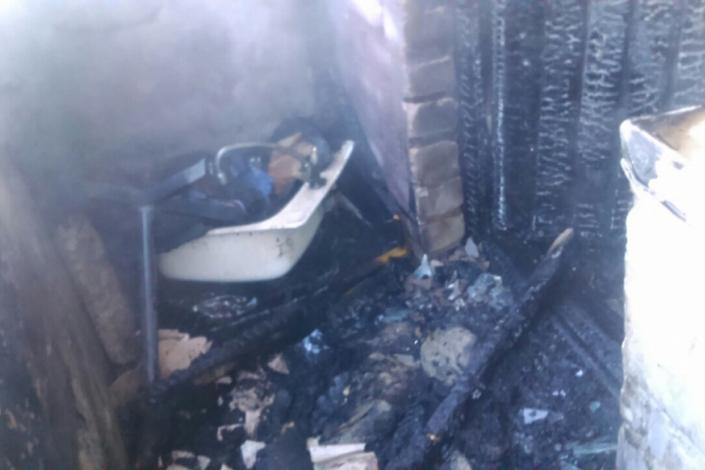 Пожарные спасли 2-х маленьких детей изгорящей квартиры вТайшете