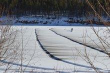 Чернение льда. Фото пресс-службы ГУ МЧС России по Иркутской области