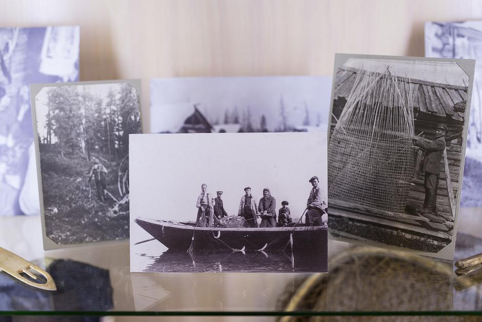 Деревенские жители занимались ловлей рыбы, охотой, собирали грибы и ягоды