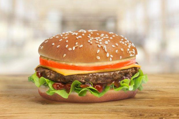 Чизбургер. Фото с сайта fryste.ru/ru