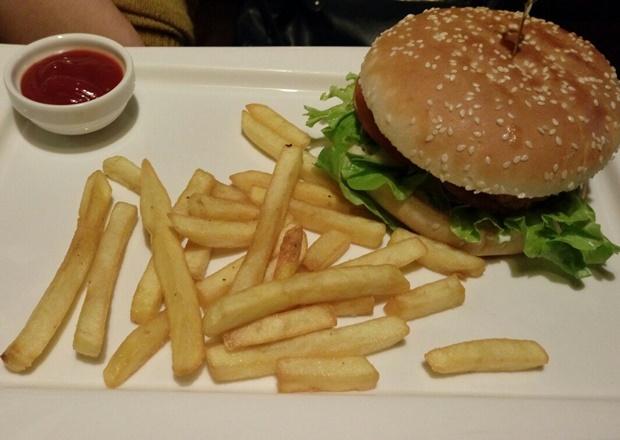 Чикенбургер. Фото Лизы Сироповой