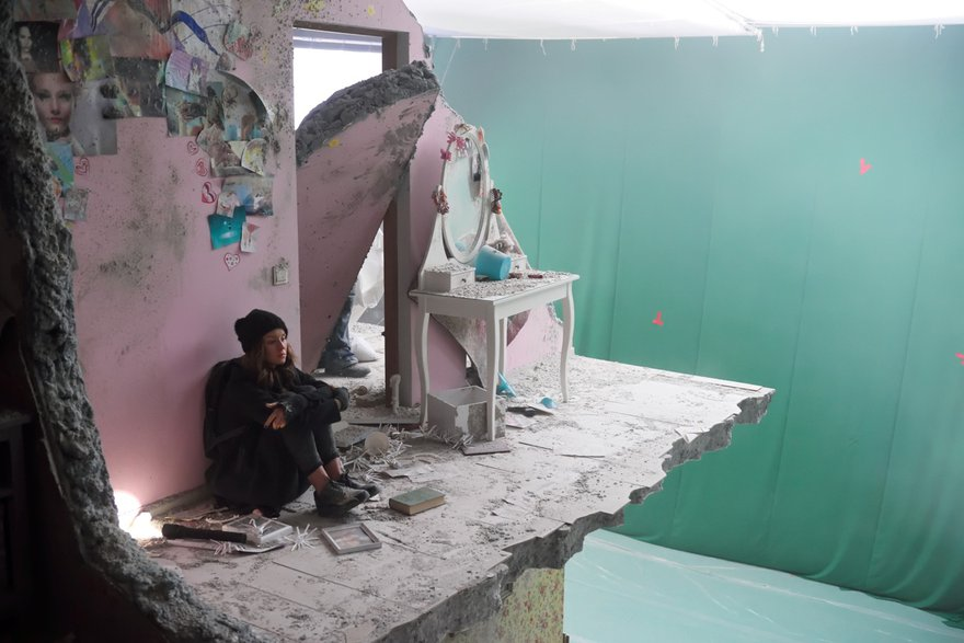 Сцена в развалинах: декорации для хромакея (фото с сайта thr.ru)