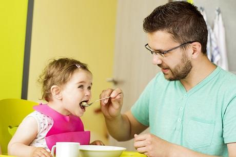Практически три тысячи отцов-одиночек выявлены вИркутской области задва года